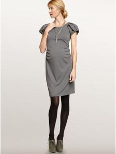 I want this. Adorable maternity dress!