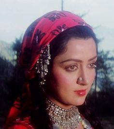 Hema Malini in Kudrat Vintage Bollywood, Bollywood Girls, Bollywood Actors, Old Film Stars, Hema Malini, Digital Art Girl, Reality Quotes, Housewife, Warfare