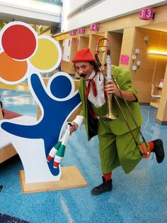 Nino the Clown visits patients at Children's Colorado and shows off his clown tricks, too!