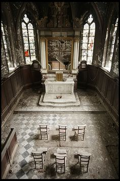 Chapel in an abandoned mid 19th C., hospital in Belgium. I think this is beautiful.