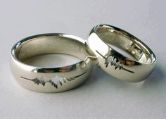 """A couple had their wedding rings engraved with a waveform of their own voices saying """"I do."""""""