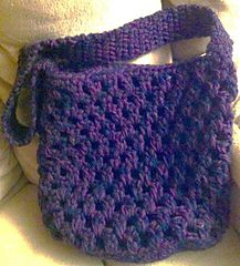 Oval Base Bag Pattern - Free crochet pattern by Martin Guy. Uses 4 strands of yarn together with 6mm and 9mm hooks.