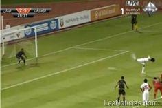 Estos son los 10 penales más insólitos de la historia del fútbol (videos) - http://www.leanoticias.com/2011/12/09/estos-son-los-10-penales-ms-inslitos-de-la-historia/
