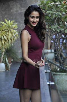 Disha Patani is an Indian Model & Actress 💕👌🏽📸 Indian Actress Photos, Bollywood Actress Hot Photos, Beautiful Bollywood Actress, Indian Film Actress, Most Beautiful Indian Actress, Indian Actresses, Bollywood Dress, Indian Bollywood, Bollywood Bikini