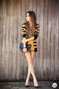 Look du jour: blame it on a simple twist of fate Cool Outfits, Fashion Outfits, Womens Fashion, Fashion Ideas, Mustard Skirt, Mustard Yellow, Animal Print Fashion, Animal Prints, Look Blazer