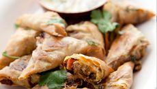 Lamb and Haloumi Mini Samosas Christmas Starters, Fresh Coriander, Tray Bakes, Real Food Recipes, Lamb, Good Food, Samosas, Meals, Cooking