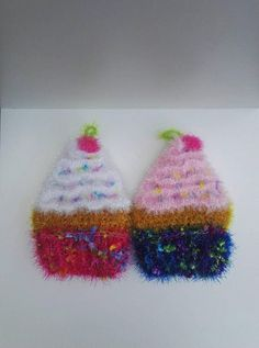 Lot de 2 Éponges Vaisselle écologique lavable en machine Tawashi Cupcake In A Cup, Washing Dishes, Decorative Objects, Are You Happy, Crochet Earrings, Make It Yourself, Gifts, Captain Hook, Presents