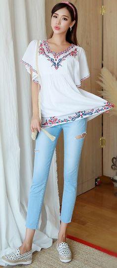 StyleOnme_Slash Cut Detail Ice Blue Wash Skinny Jeans #blue #jeans #summertrend #koreanfashion #kstyle #kfashion #seoul #feminine #dailylook