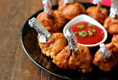 Chicken Lollipops - who doesn't like them? Chinese Food Buffet, Portuguese Recipes, Portuguese Food, Indo Chinese Recipes, Red Curry Chicken, Chicken Lollipops, Goan Recipes, Chinese Chicken, Biryani
