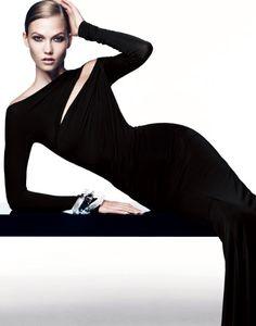 Karlie Kloss in Donna Karan (black) dress Fashion Moda, Look Fashion, Fashion Beauty, Womens Fashion, Dona Karan, Fashion Fotografie, Looks Style, My Style, Style Noir
