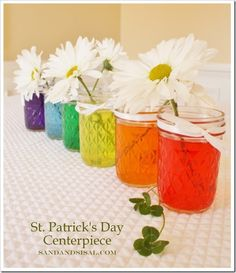 center piece with daisy and food coloring