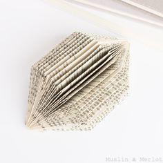 Muslin and Merlot: Easy Gem Book Sculpture!