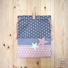 Items similar to bag child star - grey and pink snack / lunch baby bag Pink Snacks, Quilted Bag, Reusable Bags, Kids Bags, Handmade Bags, Diy Fashion, Fabric Crafts, Purses And Bags, Diy And Crafts