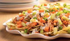 Cómo preparar los nachos con pollo búfalo - Sabrosía