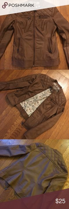 Brown faux leather moto jacket Super cute faux leather jacket with quilted detail and cute bird cage lining. Excellent condition, worn a few times. Fits TTS but just a tad too narrow for my broad shoulders 😕 Cavalini Jackets & Coats