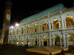 Basilica_palladiana_nuova_illuminazione.jpg