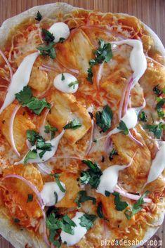 Pizza de pollo con salsa estilo Buffalo