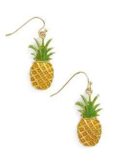 Pineapple a Day Earrings from Modcloth Zangs Zangs Schoepke Moore Moore Schoepke Pineapple Jewelry, Pineapple Clothes, Pineapple Art, Pineapple Express, Pineapple Earrings, Pinapple Decor, Psych Shirt, Modcloth, Vintage Earrings