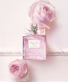 Miss Dior Eau de Toilette Miss Dior, Perfume Chanel, Best Perfume, Pink Perfume, Parfum Rose, Dolce E Gabbana, Perfume Collection, Everything Pink, Pink Aesthetic