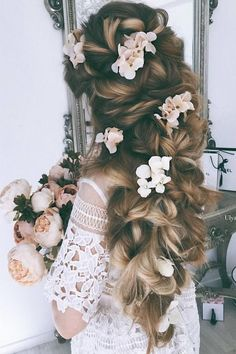 Ulyana Aster Long Wedding Hairstyles & Updos 2 / http://www.deerpearlflowers.com/romantic-bridal-wedding-hairstyles/3/