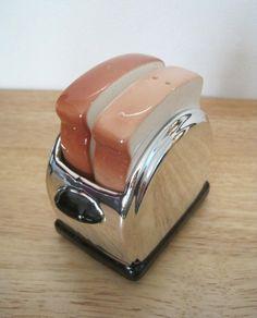 Vintage 70s Salt and Pepper Shaker Set Toast by StaceyCarlisleVntg, $15.00