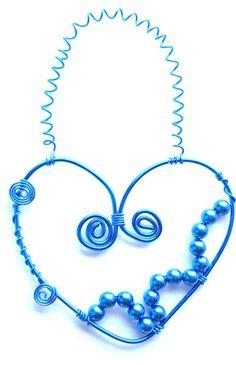 Herz-Dekoration blau aus Draht als Wandschmuck  von Modeschmuckstübchen Andrea auf DaWanda.com