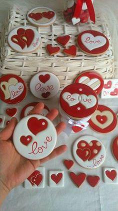54 Ideas For Cookies Decoradas Redondas Valentines Day Cookies, Valentines Baking, Valentines Sweets, Valentine Cookies, Christmas Cookies, Valentine Nails, Valentine Ideas, Heart Cookies, Iced Cookies