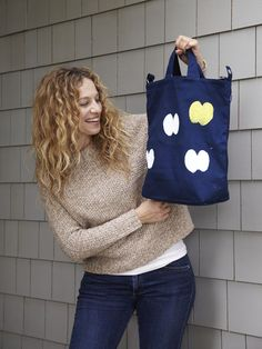 Make an Apple-Stamped Tote >> http://blog.diynetwork.com/maderemade/how-to/screen-rehab-make-an-apple-stamped-tote/?soc=pinterest