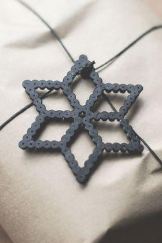 Gift wrapping for Christmas Hama beads decor