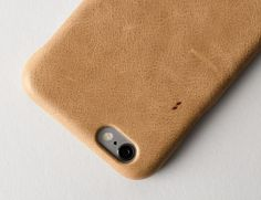Protecting your smartphone in style should be a snap and with the Buff iPhone Cover by @HardGraft it certainly is. Made with luxurious sand colored leather with a soft microfiber interior this case ensures your phone remains free from the scratches and dings that come with everyday use. The Buff iPhone Cover is designed with a snug fit for your iPhone and is available for the iPhone 6/6S and the iPhone 6/6S Plus! Price: $70 --- Check our profile URL for more details!  #iphoneonly…
