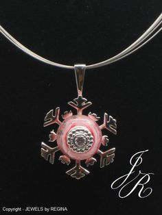 Snowflake Pendant - Interchangeable Bead Jewelry by MARCUS MAX - .925 Sterling Silver - incl. 1 FREE charm bead - Free Shipping in USA - I ship worldwide! - Discover the entire MARCUS MAX collection at JEWELS by REGINA - http://europeartimport.com/inbecobymama.html