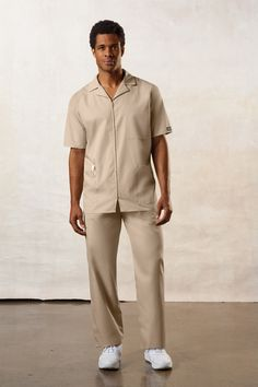 Cherokee Workwear Men's Zip Front Jacket in Whites and Colors Cherokee Uniforms, Cherokee Scrubs, Cherokee Brand, Scrubs Uniform, Medical Uniforms, Medical Scrubs, Dress Codes, Work Wear, Men Casual