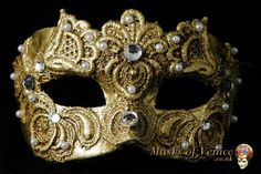 Books as portable pieces of thoughts: The masquerade - Venetian carnival and masks