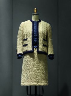 """Gabrielle """"Coco"""" Chanel (French, 1883–1971). Suit, 1963–68 haute couture. French. Wool, silk, metal. The Metropolitan Museum of Art, New York, Gift of Mrs. Lyn Revson, 1975 (1975.53.7a–e) 