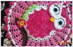 Corujinha Penélope (Pink) criação artesã Ivana Guimarães