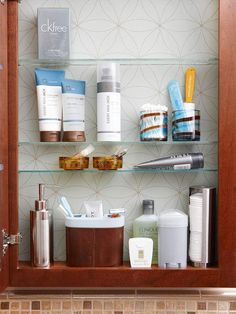 Ways to Organize Bathroom Cabinets. Make Adjustments. Reposition shelves -- or consider removing one -- to make room for tall toiletries. This medicine cabinet, which was fashioned from a kitchen wall cabinet and trimmed to a shallow depth, makes the most Small Medicine Cabinet, Medicine Cabinet Organization, Bathroom Organization, Bathroom Storage, Bathroom Medicine Cabinet, Medicine Cabinets, Organization Ideas, Organize Medicine, Bathroom Ideas