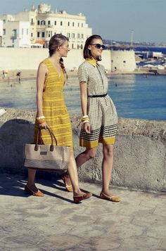 They call you mellow yellow Max Mara Weekend, Vogue, Mellow Yellow, Grey Yellow, Mode Inspiration, Fashion Inspiration, Travel Style, Travel Fashion, Travel Chic