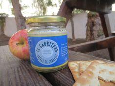 En Quesería artesanal El Cabriteru tenemos también una deliciosa crema de queso azul, elaborada a partir de nuestro internacionalmente premiado queso de mezcla. Ideal como acompañamiento, aperitivos o para la preparación de salsas.
