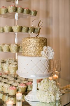 Love the gold guilding on this wedding cake as well as the cupcake tower #frenzelstudios