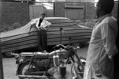 Magnum Photos - Ferdinando Scianna Assouan Égypt modèle  Stacey Ness