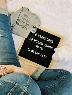 Pregnancy Signs, Pregnancy Humor, Weekly Pregnancy, Pregnancy Videos, Pregnancy Dress, Pregnancy Belly, Pregnancy Months, 30 Weeks Pregnant Belly, Baby Bump Pictures