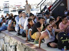 notizie:  Migranti: Ungheria costruisce 'porta' blocca-ferr...