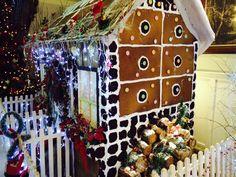 The deliciously edible Gingerbread House! Gingerbread, Holiday Decor, Christmas, House, Home Decor, Xmas, Decoration Home, Home, Room Decor