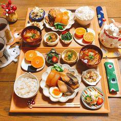K Food, Food Menu, Modern Food, Western Food, Food Stall, Food Decoration, Breakfast Lunch Dinner, Food Design, Food Plating