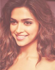 Gorgeous Indian Actress Deepika Padukone Face Pictures Gallery She Has Very Impressive Sexy Eyes Sharp Pointed Nose And Luscious Lips Most Attractive Body. Indian Celebrities, Bollywood Celebrities, Beautiful Bollywood Actress, Beautiful Actresses, Indian Film Actress, Indian Actresses, Most Beautiful Women, Beautiful People, Beautiful Film