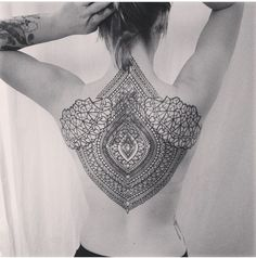 Uk based Artist named Kieran Williams shows some absolutely beautiful geometric Tattoos. From Mandals to Fantasy and Interpretations of traditional asian Tattoos - Kieran makes some amazing Tattoo-Dreams come true. Tattoo Henna, Tatoo Art, Mandala Tattoo, Tattoo You, Back Tattoo, Tattoo Pics, Grey Tattoo, Future Tattoos, Love Tattoos