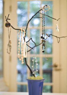 árbol para joyas