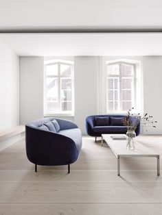 Amazing Haiku Low sofa by Fredericia and stunning wooden floors by Dinsen. photo by Wichmann + Bendtsen