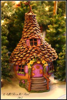 www.alittlefurinthepaint.blogspot.com Art ~ Fairy ~ Fae ~ Faerie ~ Fairy House ~ Gourd ~ Gourd Art