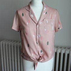 Une nouvelle chemise Juliette by republique du chiffon dans une des superbes viscoses de la nouvelle collection de tissus atelier brunette la Moonstone pink
